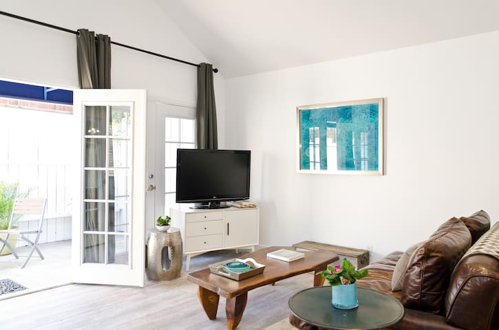 STYLISH, BRIGHT & AIRY GUEST HOUSE - Los Angeles - Huis