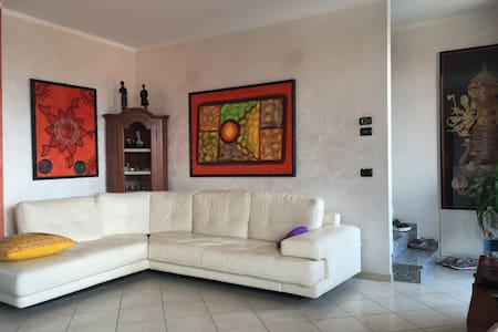 Comfortable room near Milan - Caronno Pertusella - Apartment