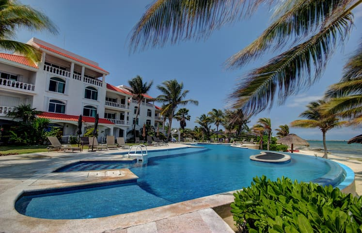 Condo #322 at Caribbean Reef Villas - OceanFront, huge pool for families/couples