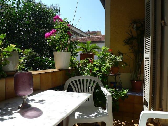Quiet apartment, 2 terraces nr Port - Nice - Appartement