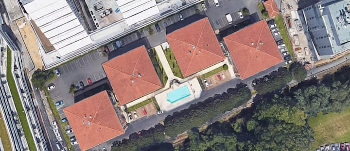 Joli studio avec piscine