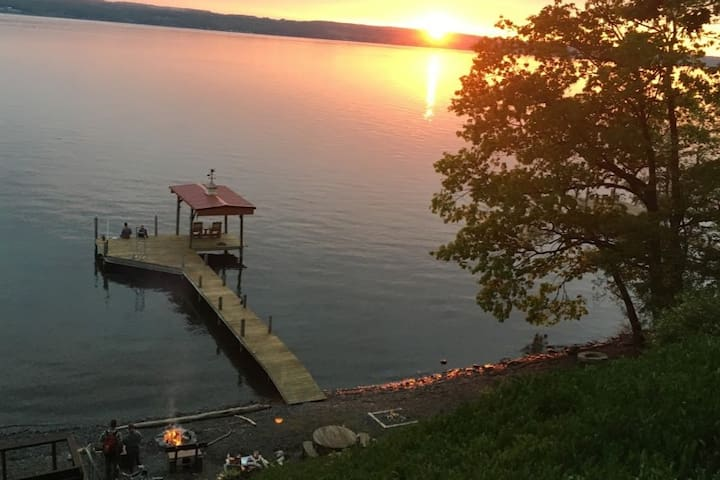 Lakeside campfires and sunsets at the Spur.