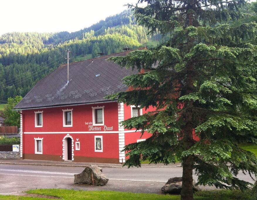 Das alte Mesner Haus (1543) neu renoviert, behagliches Ambiente in schöner Bergwelt