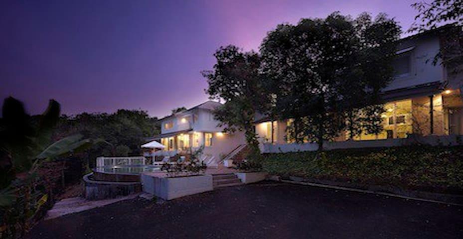 Stunning Hilltop Retreat for Groups - Villa A - Arpora - Villa