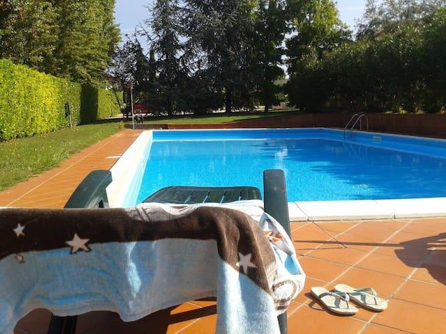 Casa Friend: bilocale con piscina al Lago di Garda