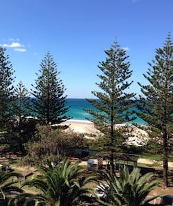 Gorgeous Beach Front Apartment - Burleigh Heads