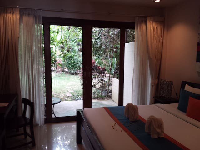 Luxurious studio + shared rooftop - Ko Pha Ngan - Appartement