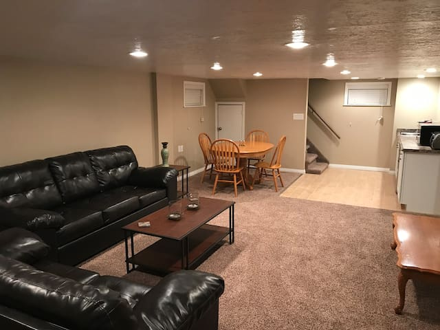 Gorgeous Full Basement in Ogden near WSU