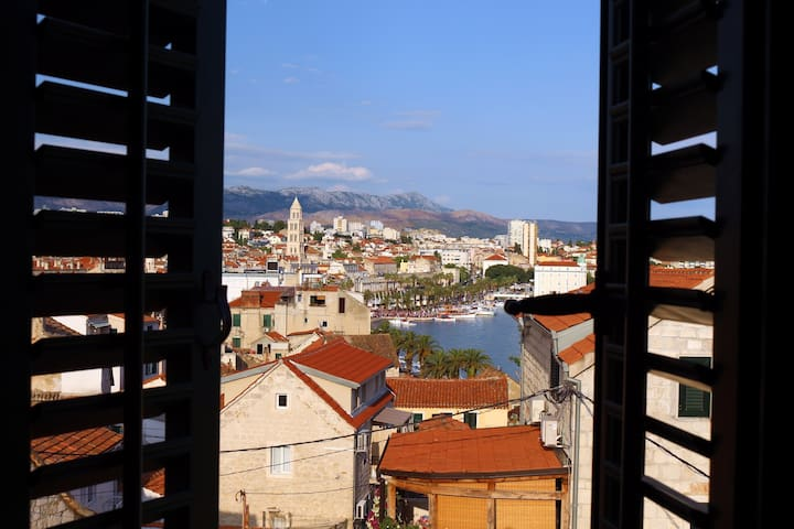 Fabulous view, brand new, center of Split