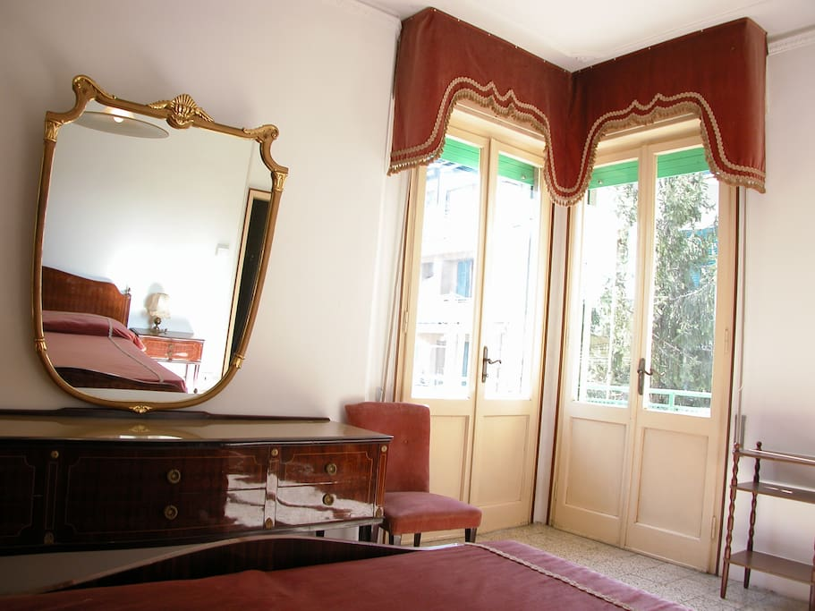 Ampia Camera matrimoniale con terrazza ad uso esclusivo - Master bedroom with private terrace