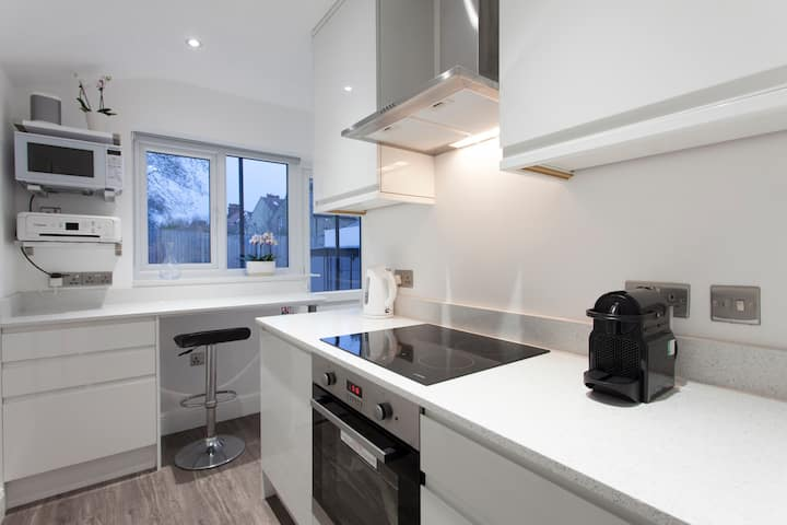 Orlando studio flat with kitchen/bathroom