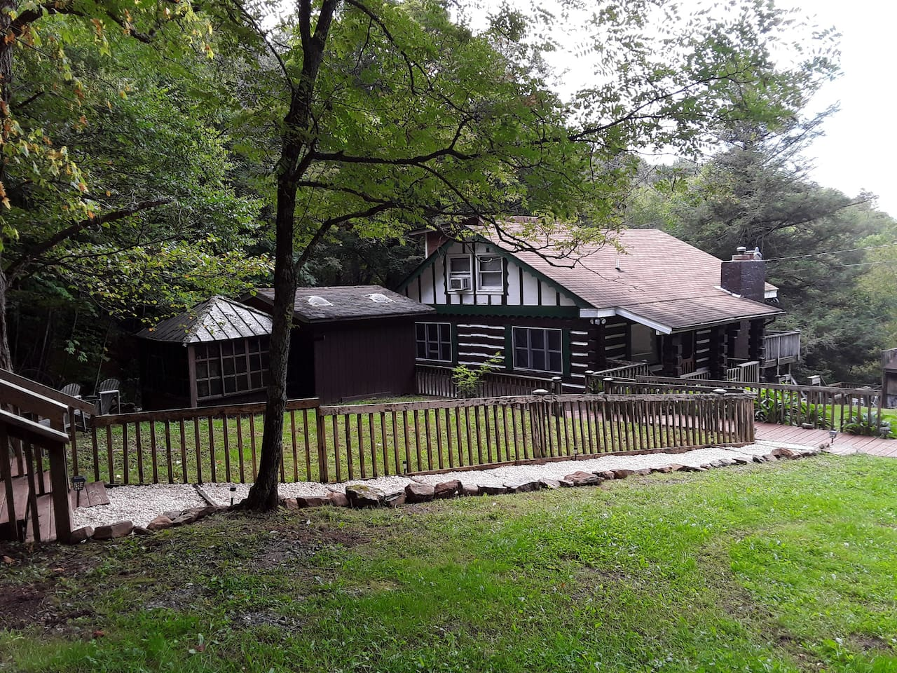 large mountain cabin with over 1,500 SQ feet