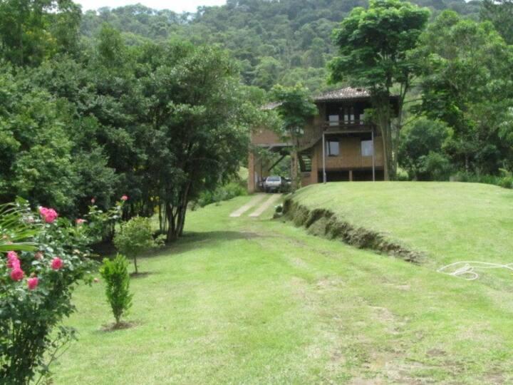 Magnífica casa em Visconde de Mauá