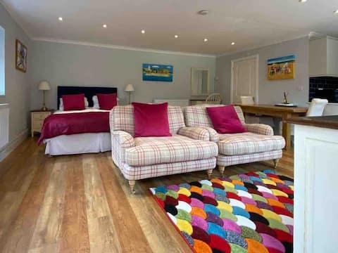Fabulous guest annexe at Vernons Field
