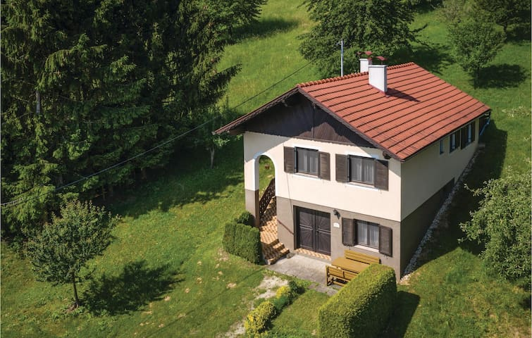 Holiday cottage with 1 bedroom on 68m² in Moschendorf