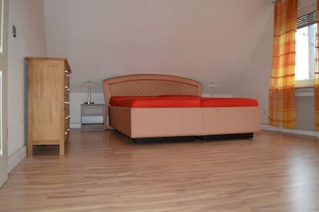 Zwei Etagen Wohnung - Grevenbroich