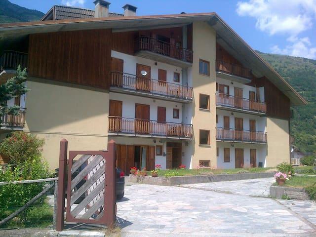 Ampio appartamento di montagna - Corteno Golgi - Appartement
