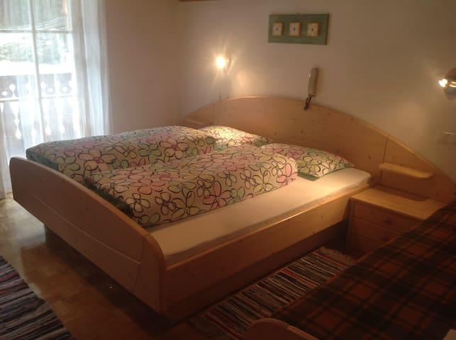 Geräumiges Doppelbettzimmer
