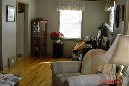 Rooms near St.Clair College and UoW