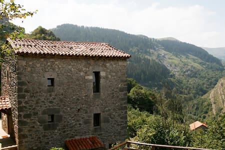 Casa en la Montaña I - Ajanedo