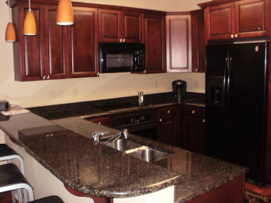 Modern, fully equipped kitchen.