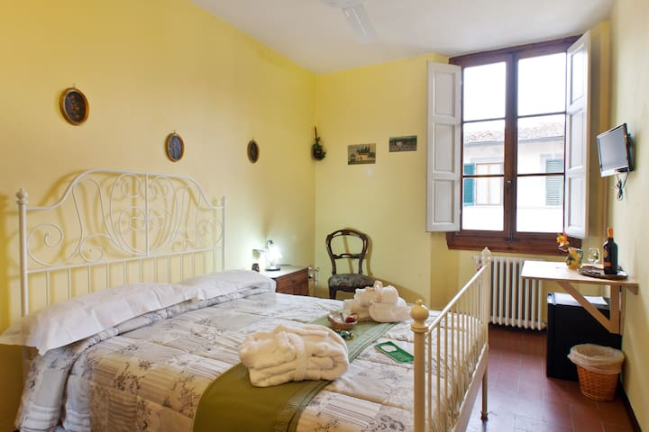 Econimic roomx2 in FlorentineB&B - Firenze - Bed & Breakfast