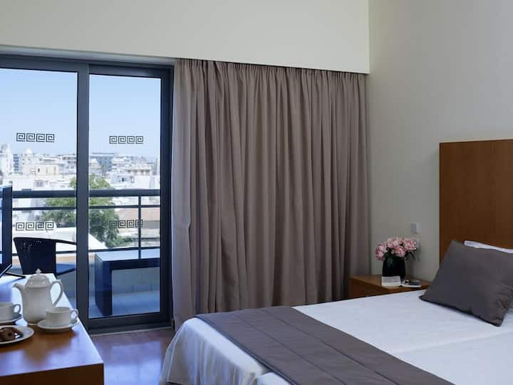 ANGELA SUITES SUPERIOR DOUBLE ROOM