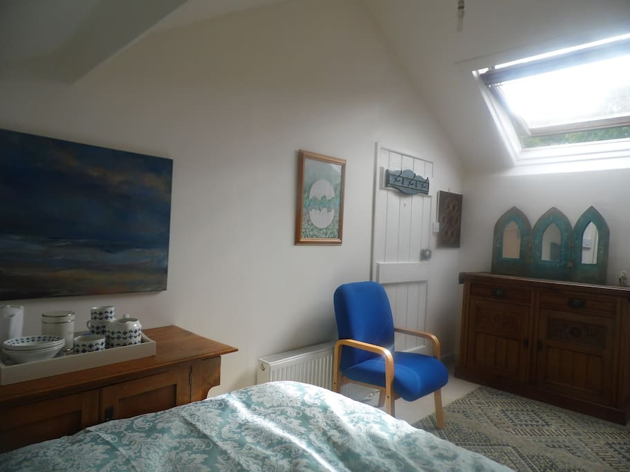 Double Attic Room In Lovely Victorian Apartment