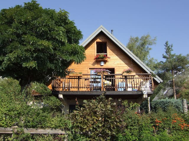 Studio plein sud à 3,5 kms d'Embrun - Embrun - Casa