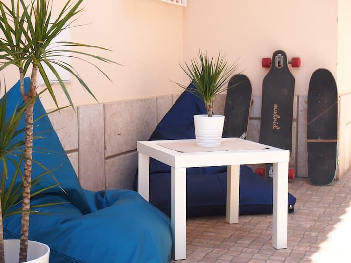 Estoril Beach House - dorm bed 2