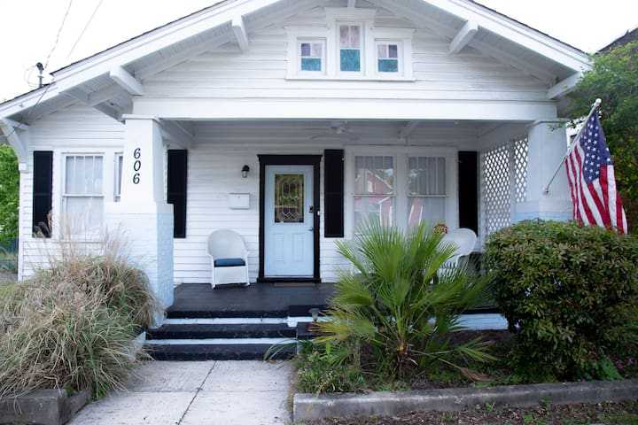 Downtown Wilmington 1920's Bungalow