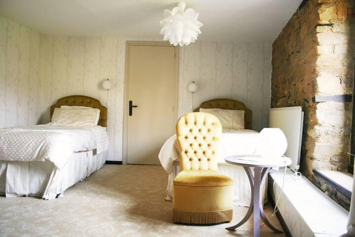 Délicieuse chambre cosy à 2 lits