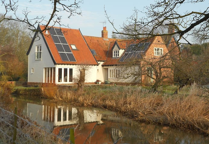 Self contained annex in riverside cottage