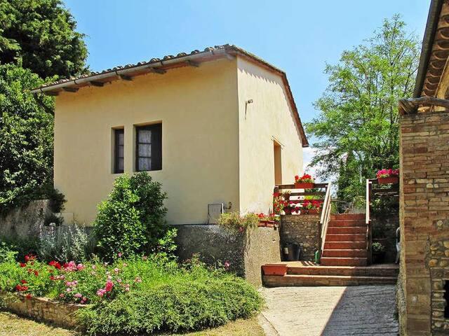 Casa nello storico agriturismo di Montespertoli