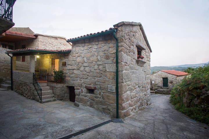 CASA DE RIBÔ-SOAJO - PNPG 14776/AL - Soajo - Huis
