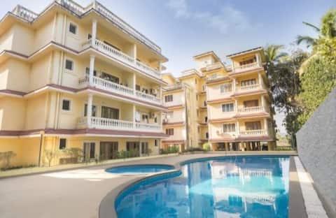 Comfy Poolview Apartment near Calangute North Goa