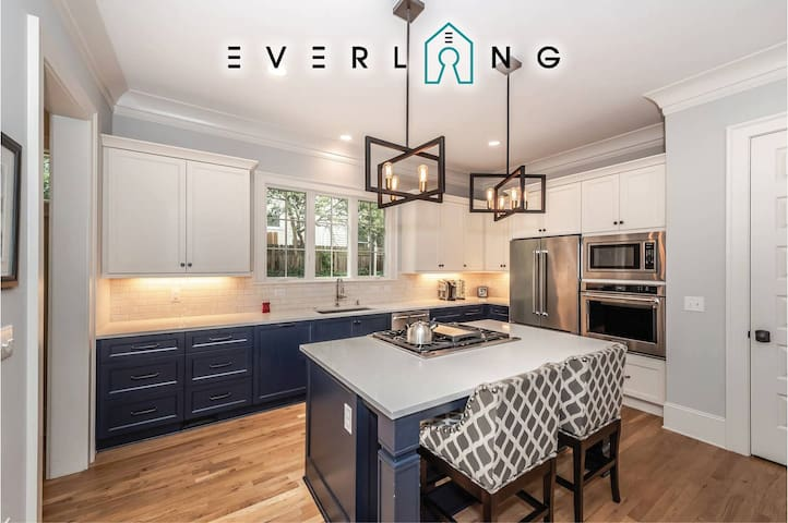 Breathtaking New Luxury Home-Uptown/Ovens/Panthers