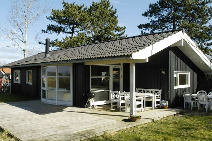 6 person holiday home in Asperup