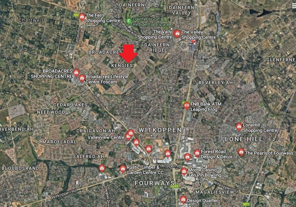 1km from Broadacres Spar (best Spar in the region) and 4km from Fourways Mall