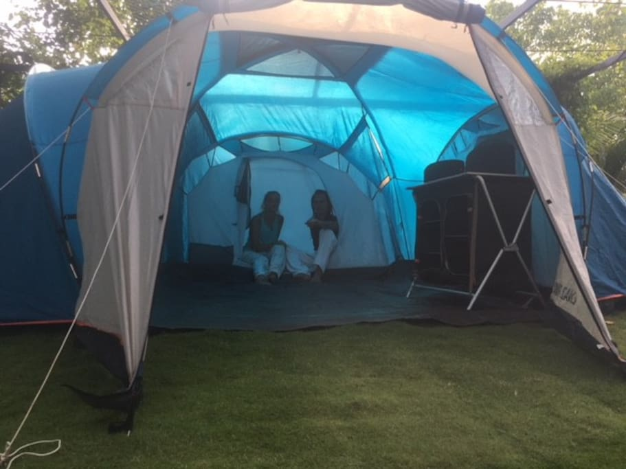 3 bed room tent 6pax can stay