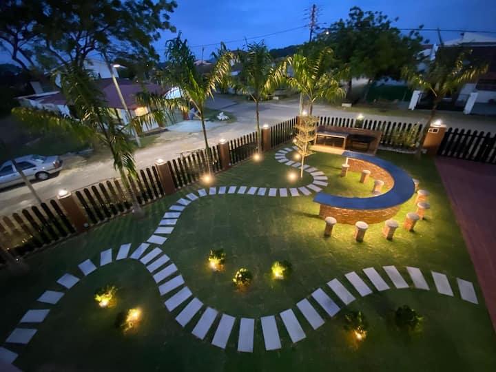 Le's Homestay @ Villa ( 24 ppl + 6 ppl , Melaka )