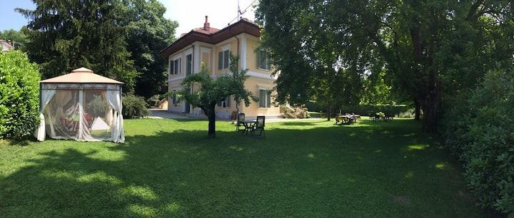 Suite, villa nei dintorni di Ivrea
