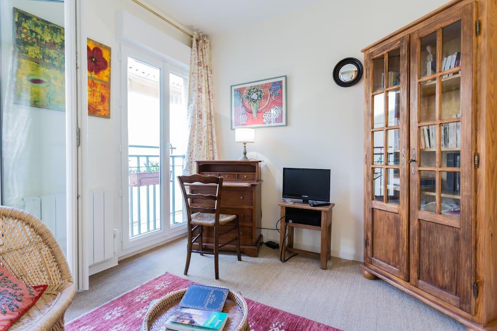 Chambre ensolleill e centre ville appartements louer for Chambre agriculture aix en provence