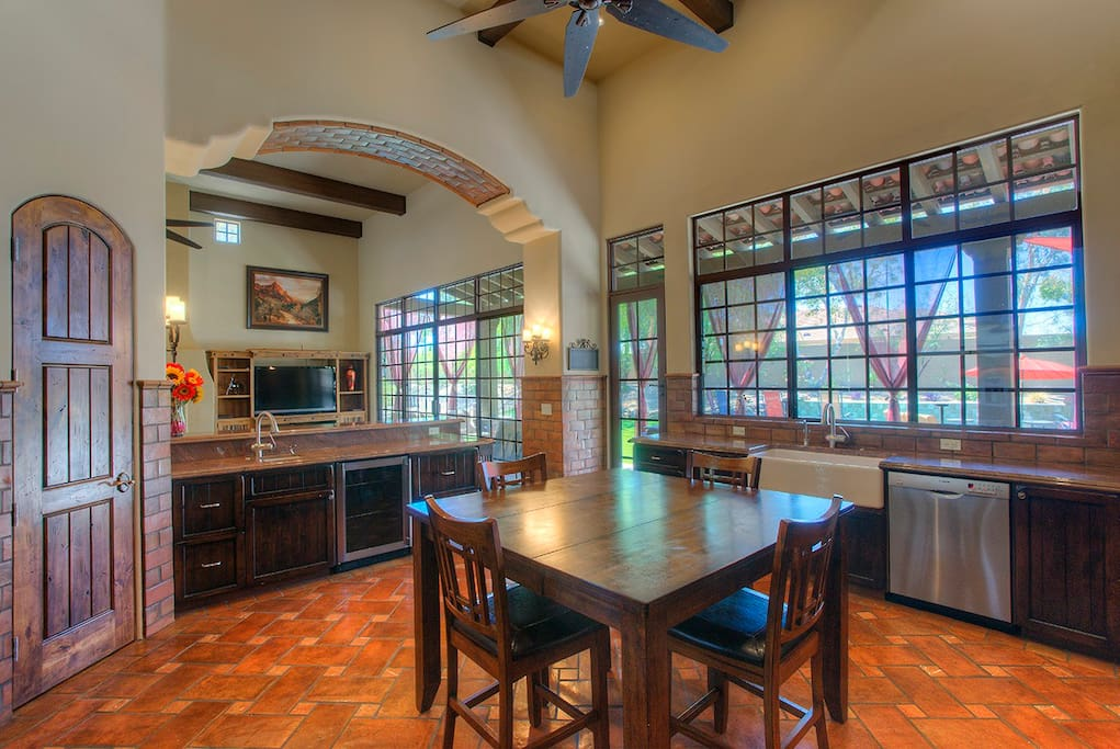 You will just love this kitchen, as everyone does - Seating for 8