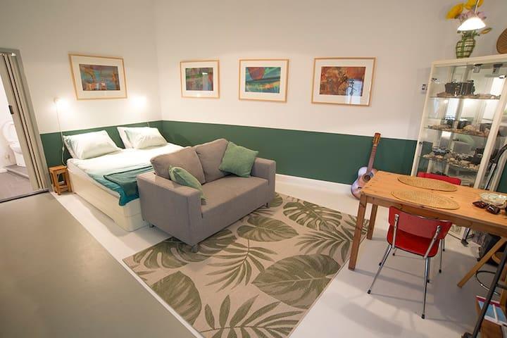 Rustige, ruime studio in Echt