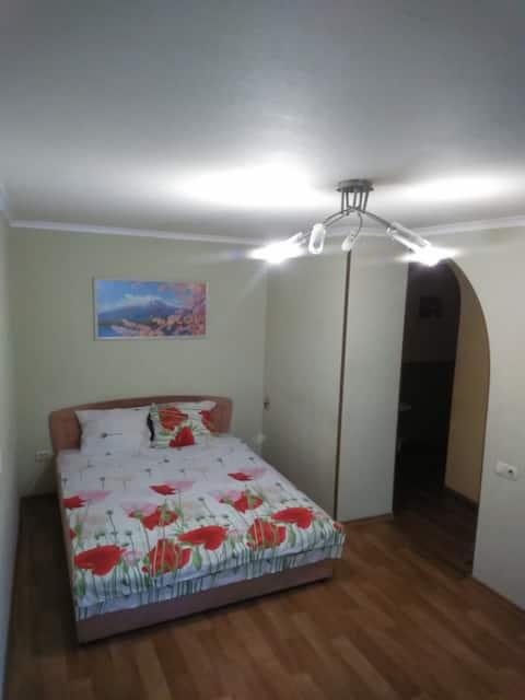 Сдаю уютную квартиру в центе Донецка посуточно
