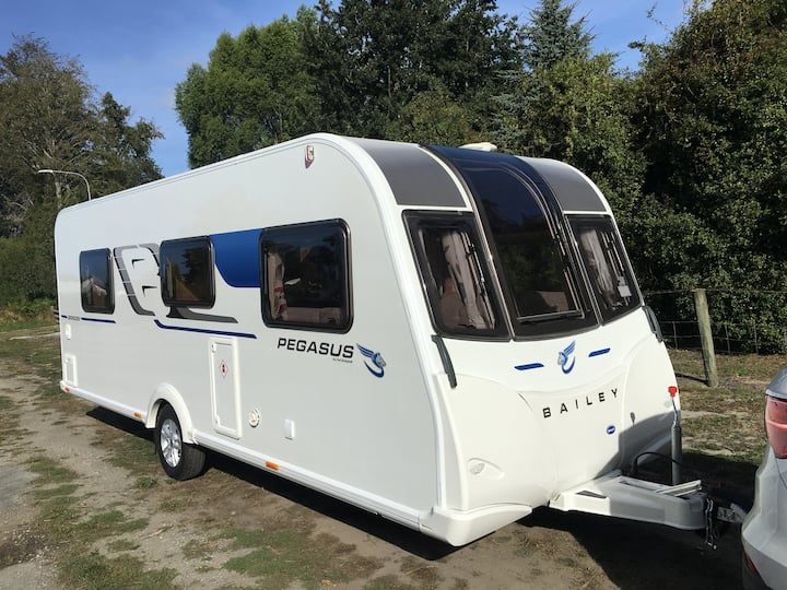 Luxury caravan for hire