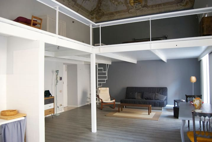 Loft in the middle of the town!!