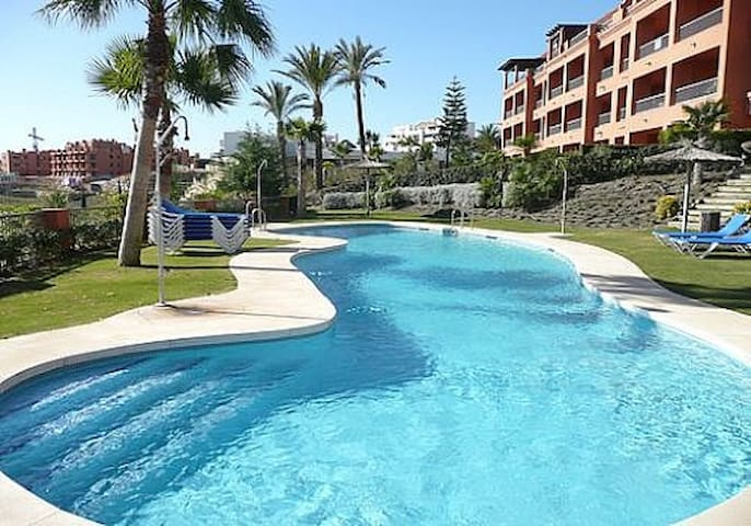 Royal Flamingos Resort Apt  - Marbella - Apartemen