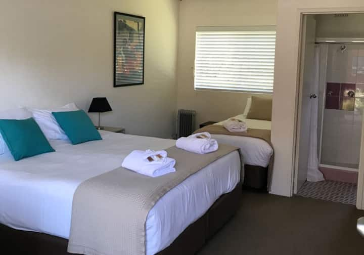 Thirroul Boutique Beach Hotel - Deluxe Queen
